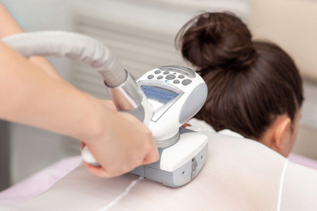 aparelho-de-massagem-a-vacuo-tratamento-anti-celulite-para-correcao-corporal_106390-240